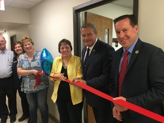 Hagerstown Hypnosis Ribbon Cutting 1