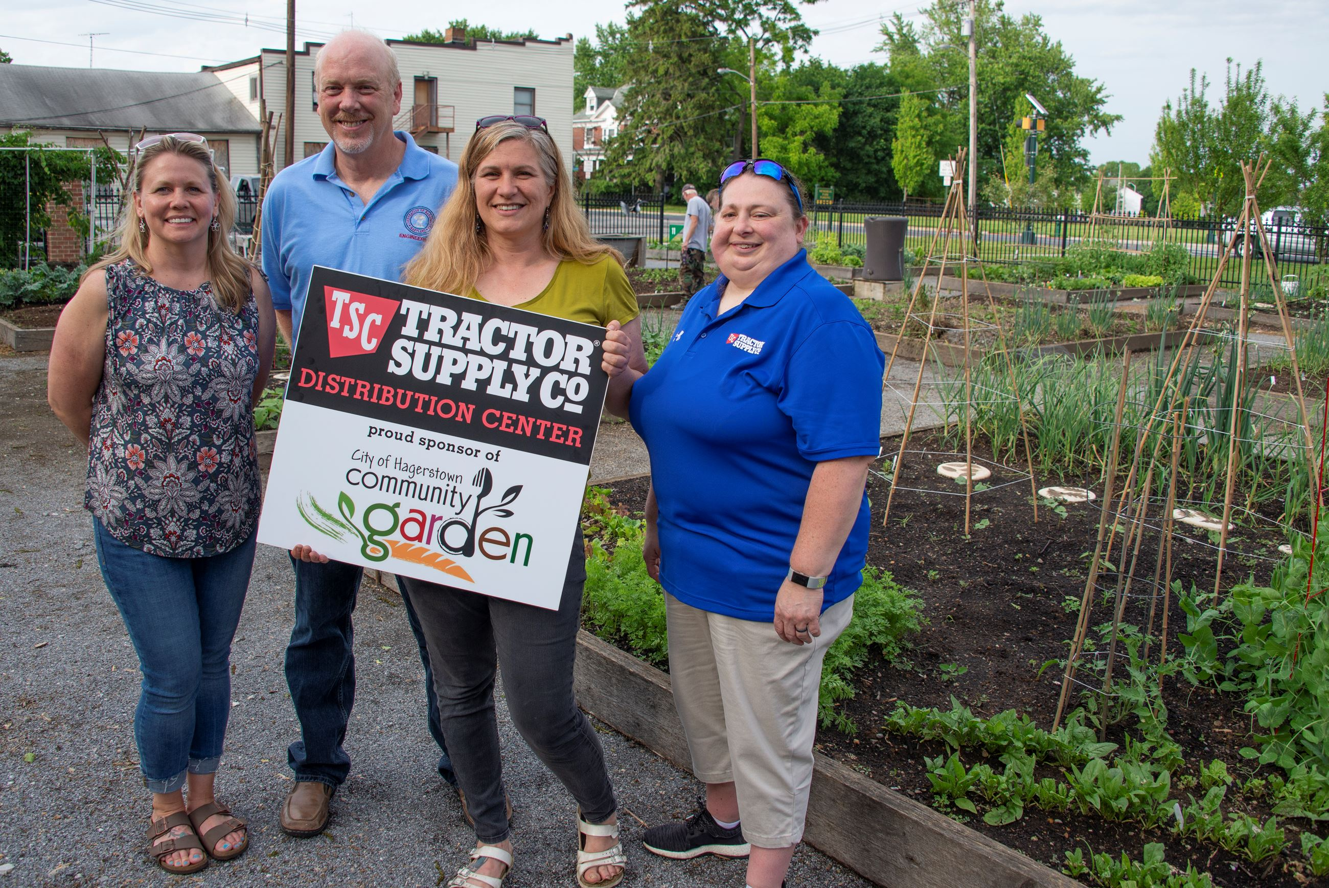 Tractor Supply Co_Community Garden_052319_0001