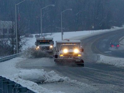 SnowPlowing-Trucks-400px.JPG